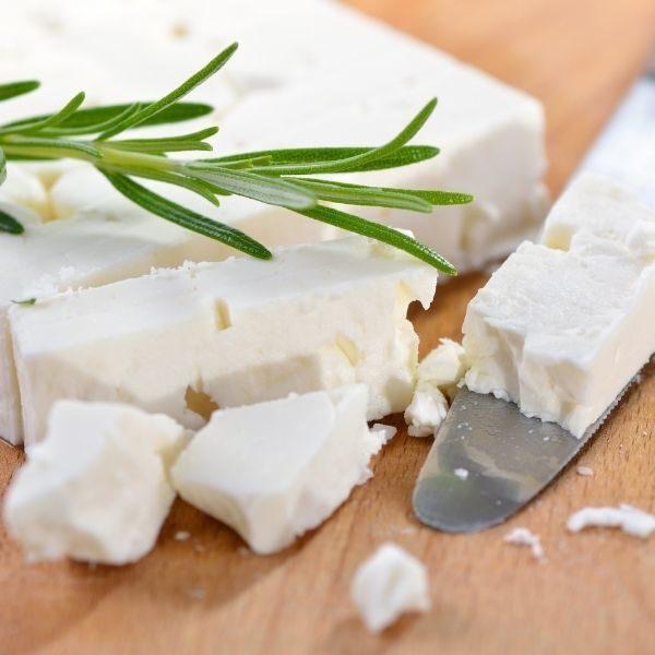 Fromage Feta, mélange de lait de vache et de chèvre 1 kg Skotidakis