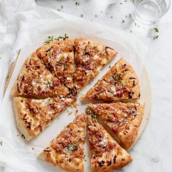 Pizza Mike's à croûte farcie, pepperoni et bacon